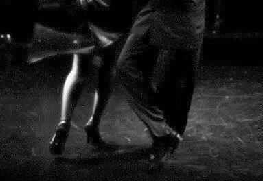 Les bases du giro et de la moulinette en Tango Argentin.