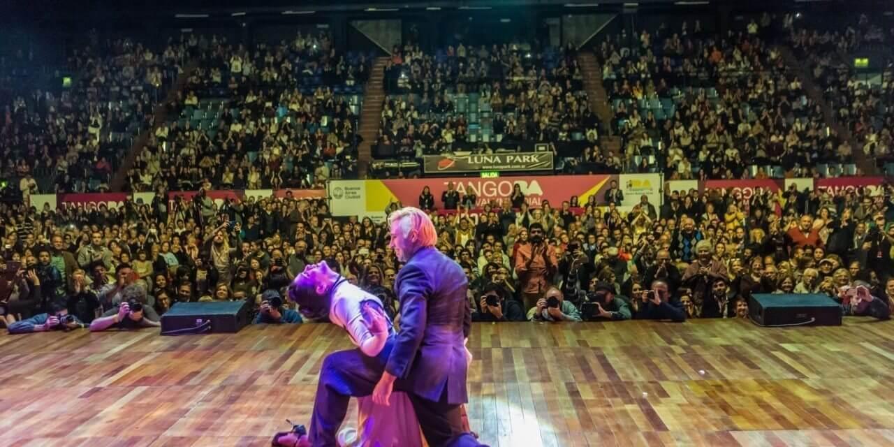 Az argentin tangó világbajnokság 2016-os győztese színpadi tangó kategóriában egy elképesztő koreográfiával!!!
