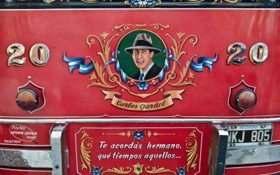 Conoce el fileteado porteño con Papito, con el maestro de Buenos Aires