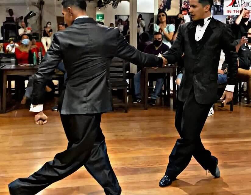 Ilyen az, amikor két férfi brutálisan jól táncol egymással!