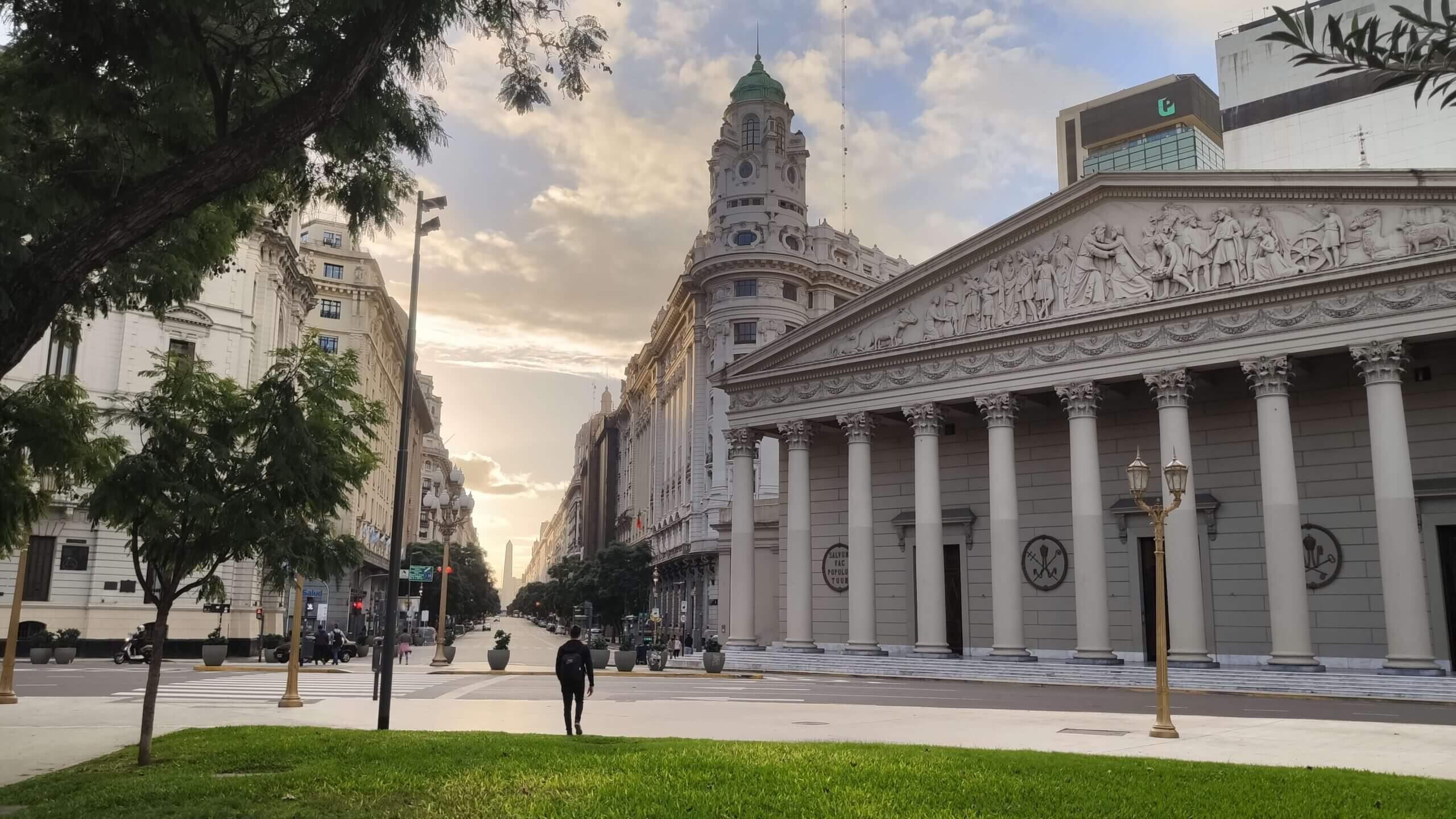Luca-Buenos-Airesben-25deMayo